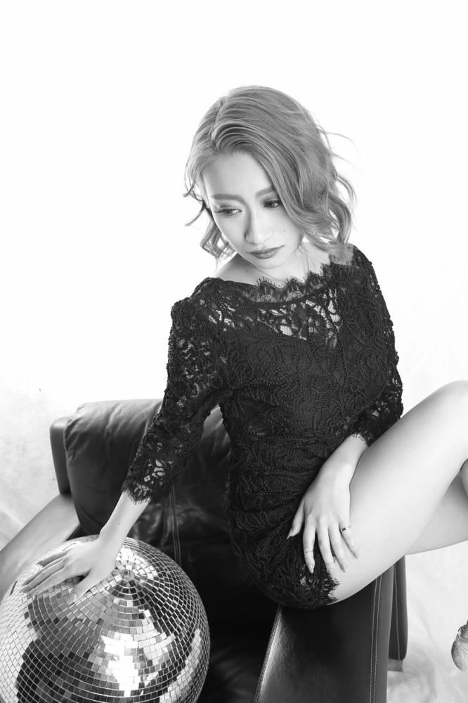 のカバーガールグラビア Lune LYNX SARINA氏() 8枚目