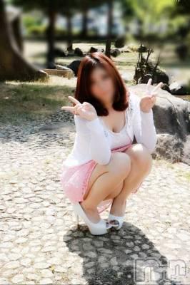 りか(20) 身長155cm、スリーサイズB88(E).W56.H86。松本デリヘル Revolution在籍。