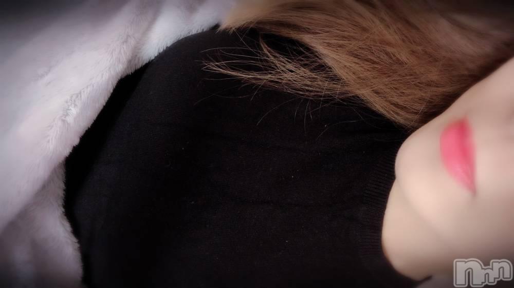 上田人妻デリヘルBIBLE~奥様の性書~(バイブル~オクサマノセイショ~) ★ツバキ★(31)の8月13日写メブログ「こんにちは」
