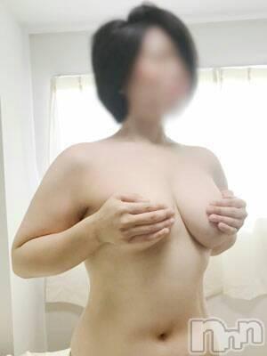 りり☆人妻(33) 身長163cm、スリーサイズB95(E).W62.H95。佐久デリヘル 佐久の穴場  (サクノアナバ)在籍。
