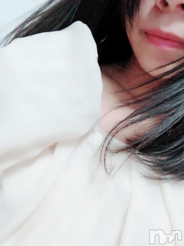 松本デリヘルRevolution(レボリューション) みあ(19)の2019年1月12日写メブログ「夜遅くに...。」