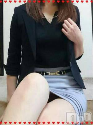 りあ☆☆(34) 身長160cm、スリーサイズB88(D).W60.H83。上田デリヘル Apricot Girl(アプリコットガール)在籍。