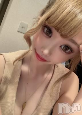 白咲 モモ 年齢20才 / 身長ヒミツ