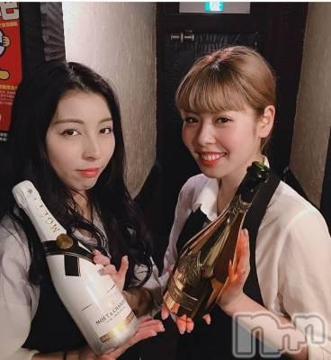 新潟駅前居酒屋・バー シーフードバー ビアンベニュー(シーフードバービアンベニュー)の店舗イメージ枚目「学生さんがたくさん働いています」