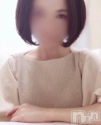 彩和(43) 身長158cm、スリーサイズB85(D).W58.H85。新潟人妻デリヘル 人妻楼 新潟店(ヒトヅマロウ ニイガタテン)在籍。