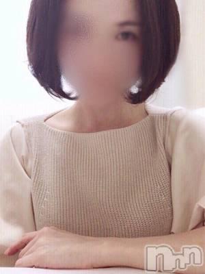 彩和(43) 身長158cm、スリーサイズB85(D).W58.H85。新潟人妻デリヘル 人妻楼 新潟店在籍。