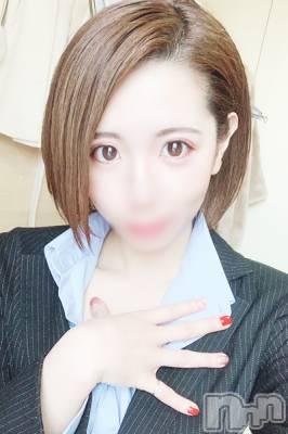 なみね☆Fカップ(25) 身長156cm、スリーサイズB90(F).W57.H87。 BLENDA GIRLS在籍。