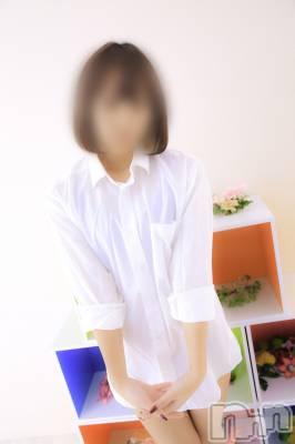りょう(20) 身長158cm、スリーサイズB84(B).W57.H85。長岡手コキ 長岡手コキ専門店長岡ハンズ在籍。