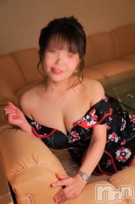 あいばママ 年齢ヒミツ / 身長151cm