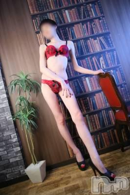 新人☆ひより(21) 身長163cm、スリーサイズB84(B).W56.H86。 Iris在籍。
