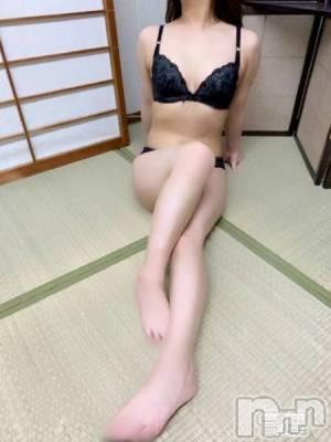初音りお(24) 身長150cm、スリーサイズB80(D).W59.H83。新潟人妻デリヘル 姉妻(アネツマ)在籍。