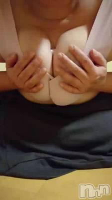 上越人妻デリヘル 愛妻(ラブツマ) M熟女鈴木ようこ(43)の12月8日動画「むにゅっと。」