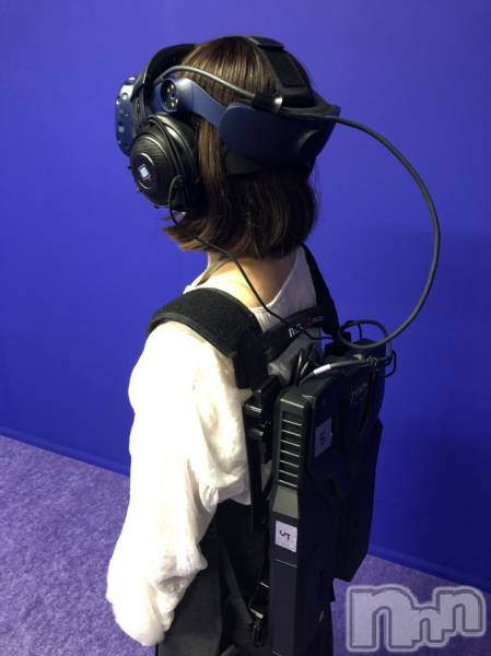 新潟駅前ガールズバーGirls  Bar  LiLiTH(ガールズバーリリス) かりんの9月15日写メブログ「お客様と初VR体験🎮」