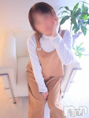 山内(36) 身長151cm、スリーサイズB80(B).W60.H85。新潟人妻デリヘル 人妻楼 新潟店(ヒトヅマロウ ニイガタテン)在籍。