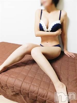 いずみ極上美人(33) 身長155cm、スリーサイズB87(E).W55.H85。佐久デリヘル 2ndcall ~セカンドコール~(セカンドコール)在籍。