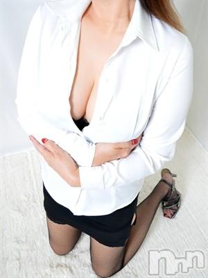 【熟女】なつみ (48)のプロフィール写真1枚目。身長168cm、スリーサイズB92(F).W62.H91。上田人妻デリヘル人妻華道 上田店(ヒトヅマハナミチウエダテン)在籍。