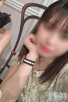 体験姫【えみり】(24) 身長156cm、スリーサイズB90(F).W60.H86。松本デリヘル スイートパレス在籍。