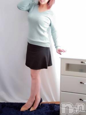 体験入店 みき(36) 身長164cm、スリーサイズB90(F).W59.H87。 mamaCELEB在籍。