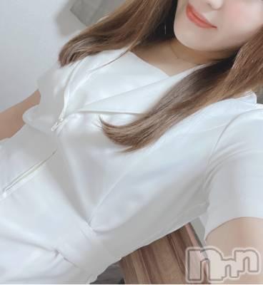 新人☆星野 ゆり 年齢ヒミツ / 身長ヒミツ