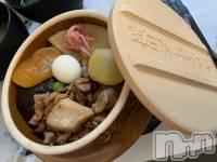 権堂スナックLounge クオーレ(ラウンジクオーレ) まき(21)の4月8日写メブログ「食🤤」
