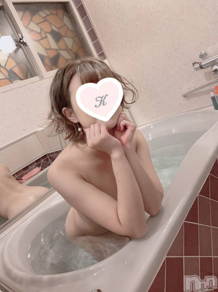 新潟デリヘルドキドキ 【ドM】カヤ(25)の11月9日写メブログ「勃っちゃった、、、❤︎」