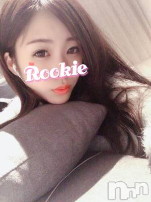 体験☆あさな(19) 身長161cm、スリーサイズB83(C).W56.H83。 ROOKIE在籍。