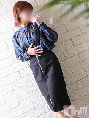 みか☆綺麗系(39) 身長166cm、スリーサイズB82(B).W59.H90。松本人妻デリヘル 恋する人妻 松本店(コイスルヒトヅマ マツモトテン)在籍。