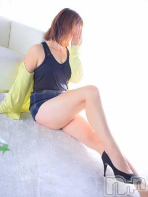 石川(34) 身長160cm、スリーサイズB80(C).W60.H82。新潟人妻デリヘル 人妻楼 新潟店(ヒトヅマロウ ニイガタテン)在籍。