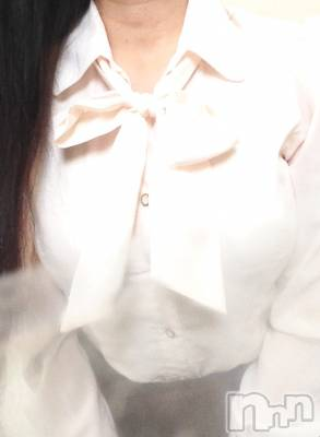松本デリヘル 松本人妻援護会(マツモトヒトヅマエンゴカイ) やよい(しらゆり)(42)の11月1日写メブログ「残り1枠です❤️」