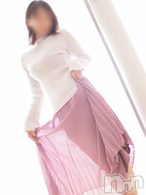 こころ☆綺麗系(37) 身長158cm、スリーサイズB84(C).W56.H84。松本人妻デリヘル 恋する人妻 松本店(コイスルヒトヅマ マツモトテン)在籍。