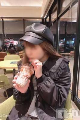 体験姫【みお】(18) 身長150cm、スリーサイズB84(C).W58.H86。松本デリヘル スイートパレス在籍。