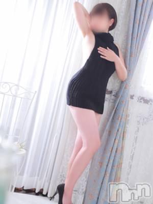 しょうこ(40) 身長158cm、スリーサイズB94(G以上).W60.H86。長野人妻デリヘル I LOVE奥様(アイラブオクサマ)在籍。