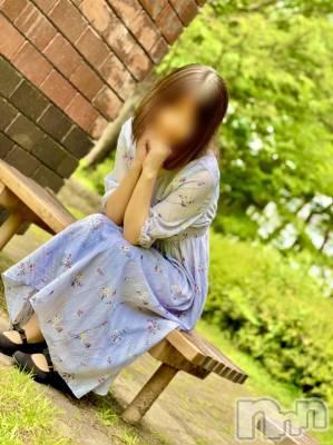 るな★癒し姫(23) 身長161cm、スリーサイズB85(C).W59.H88。佐久人妻デリヘル 煌~Sparkle~(キラメキ~スパークル~)在籍。