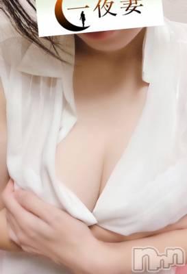 みな(体験入店)(27) 身長157cm、スリーサイズB87(D).W59.H86。新潟人妻デリヘル 一夜妻(イチヤヅマ)在籍。