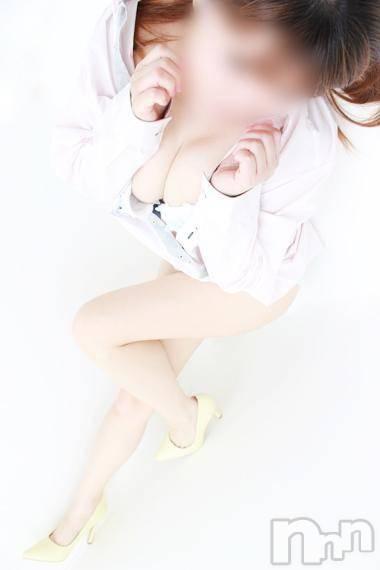 三宅えりな(30)のプロフィール写真2枚目。身長150cm、スリーサイズB89(D).W63.H88。三条デリヘル人妻じゅんちゃん(ヒトヅマジュンチャン)在籍。