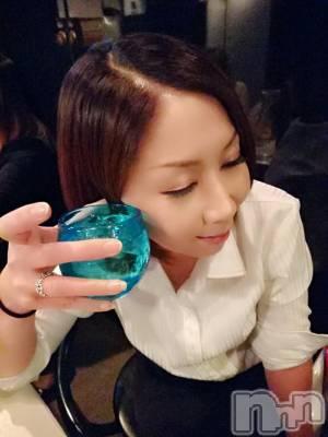 ママ 涼邑りり(36) 身長161cm。松本駅前スナック Diamond☆RiRi(ダイヤモンド☆リリ〜)在籍。