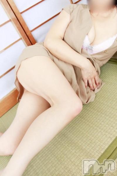 椎谷りえ(48)のプロフィール写真3枚目。身長156cm、スリーサイズB89(E).W65.H85。三条デリヘル人妻じゅんちゃん(ヒトヅマジュンチャン)在籍。