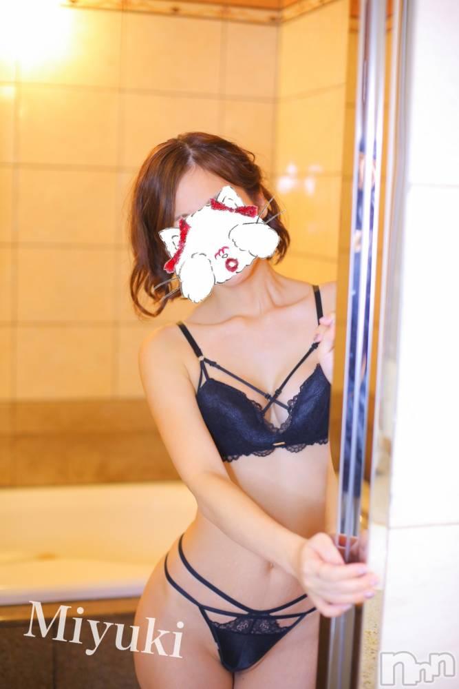 新潟デリヘルOffice Amour(オフィスアムール) 美雪(29)の10月3日写メブログ「今日から始動☆*°゚+」