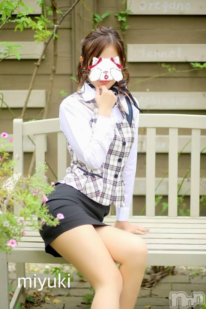 新潟デリヘルOffice Amour(オフィスアムール) 美雪(29)の10月27日写メブログ「来月の目標p(*^-^*)q・。♪*+o」