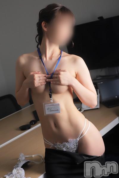 美雪(30)のプロフィール写真5枚目。身長158cm、スリーサイズB84(C).W57.H83。新潟デリヘルOffice Amour(オフィスアムール)在籍。