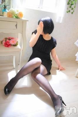 上所すずか☆H妻(33) 身長156cm、スリーサイズB83(C).W59.H86。 新潟風俗出張アロママッサージ在籍。