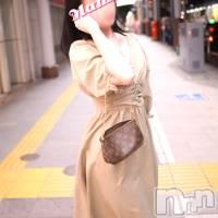 長岡人妻デリヘル mamaCELEB(ママセレブ)の9月25日お店速報「上品な色気漂う、スレンダーな美脚美女『美那(みな)さん』好評出勤中」