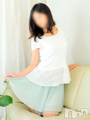 あおい(29) 身長163cm、スリーサイズB86(E).W58.H88。 長岡人妻市在籍。