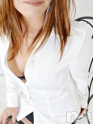【熟女】千秋(43) 身長150cm、スリーサイズB83(B).W59.H82。上田人妻デリヘル 人妻華道 上田店(ヒトヅマハナミチウエダテン)在籍。