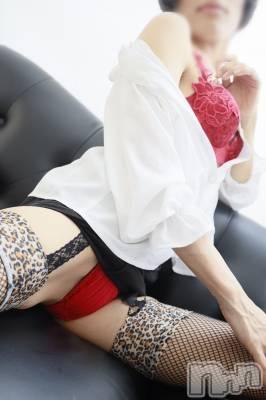 痴女系吉川めぐみ(31) 身長164cm、スリーサイズB86(B).W59.H85。上越人妻デリヘル 愛妻(ラブツマ)在籍。