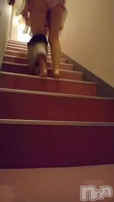 新潟デリヘル 姉妻(アネツマ) 神楽てん(44)の動画「脱ぎながらお部屋へ向かう/////」