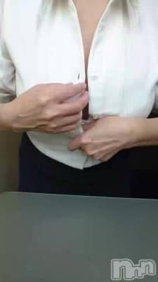上越人妻デリヘル 愛妻(ラブツマ) 神楽てん(44)の10月15日動画「実りの秋でございます!」