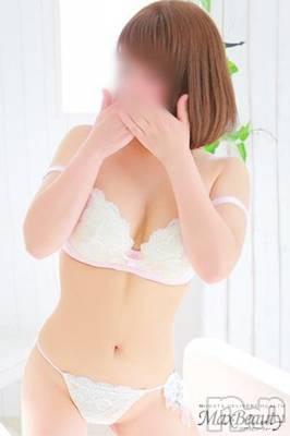 かほ☆小柄美人系(29) 身長153cm、スリーサイズB86(D).W57.H85。新潟デリヘル Max Beauty 新潟在籍。