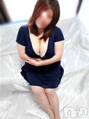 鳴海お姉さん(26) 身長158cm、スリーサイズB102(F).W86.H99。松本ぽっちゃり ぽっちゃりお姉さん専門 ポチャ女子(ポッチャリオネエサンセンモンポチャジョシ)在籍。