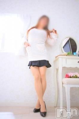 れん☆新人37歳(37) 身長153cm、スリーサイズB97(F).W62.H93。 上越風俗出張アロママッサージ在籍。